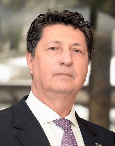 Prof. Donizetti Louro