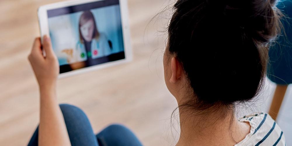 Cresce o número de empresas que incluem a telemedicina como benefício para funcionários