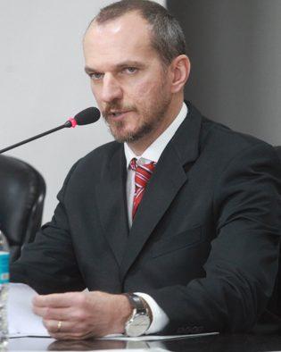 Silvio Valente, professor USP