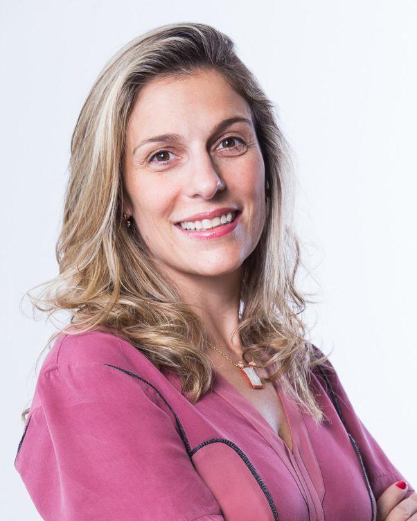 Fabiana Farah, Diretora Associada Legal & Compliance na Produtos Roche Químicos e Farmacêuticos