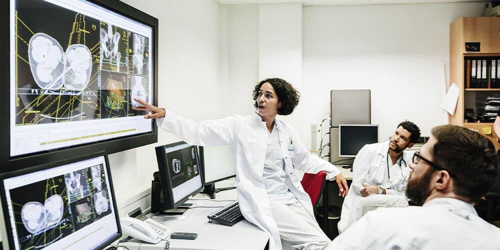 """""""Painel Internacional 2"""" é destaque no quarto dia do Global Summit Telemedicine & Digital Health 2020"""