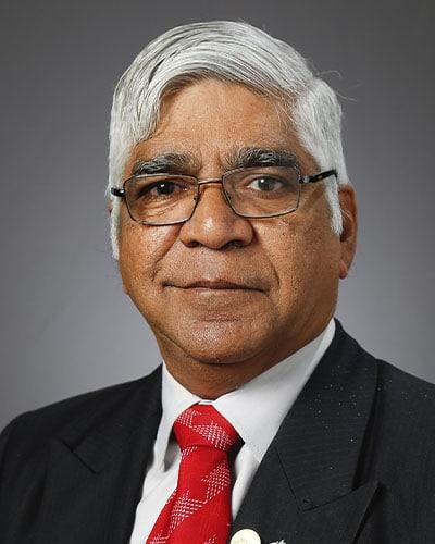DR. KRISHNAN GANAPATHY, M CH (NEUROCIRURGIA) FACS FICS FAMS PH.D, DIRETOR PARA A ÍNDIA DA APOLLO TELEMEDICINE NETWORKING FOUNDATION. DIRETOR, APOLLO TELEHEALTH SERVICES